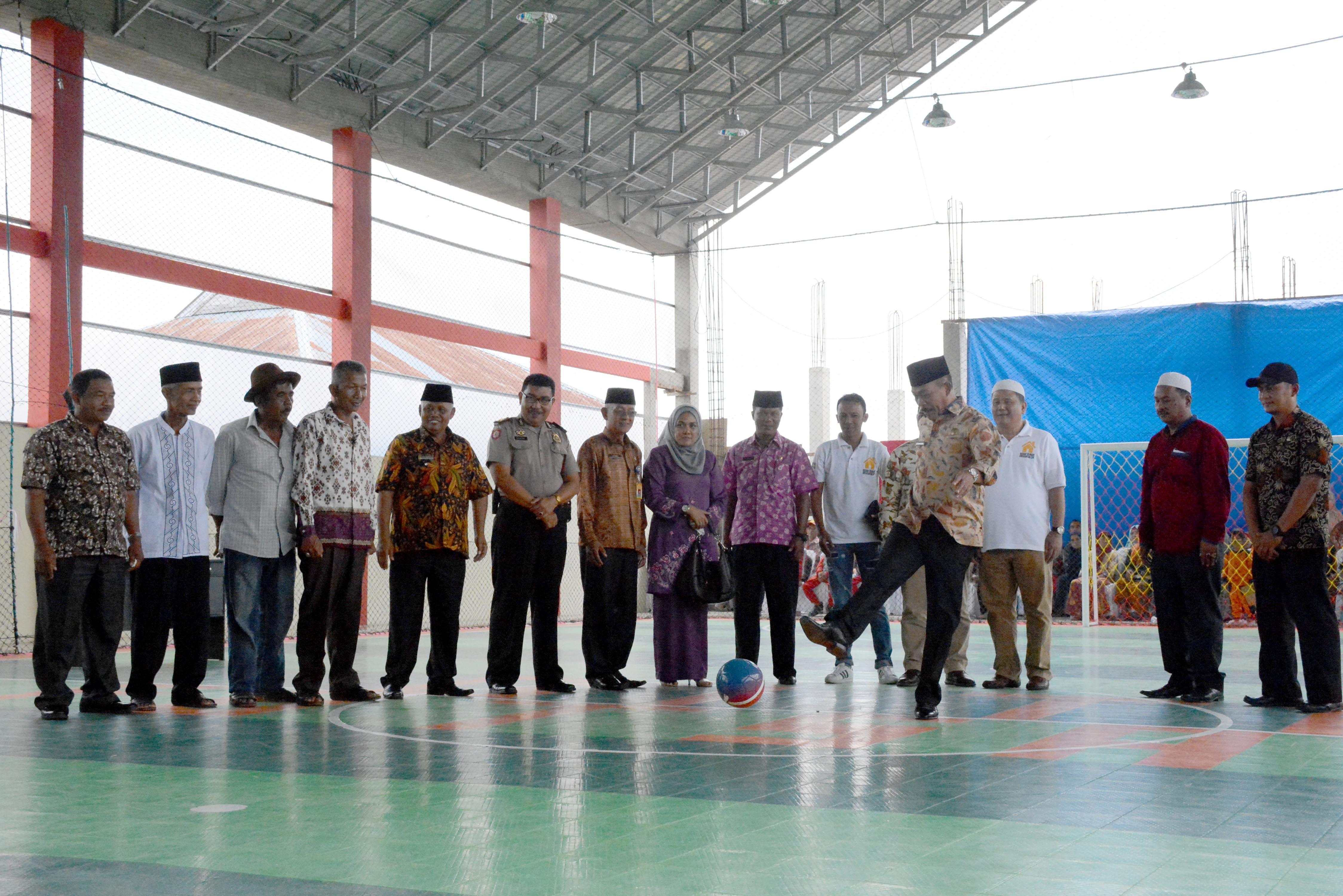 Wabup Zuldafri Resmikan Lapangan Futsal Gita Simpang Gobah Rambatan