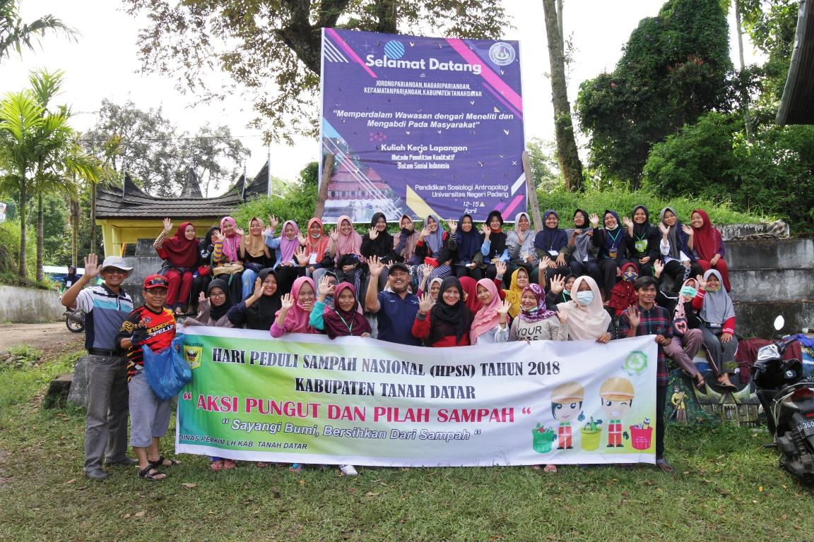 Mahasiswa PKL UNP Padang Lakukan Goro Bersama