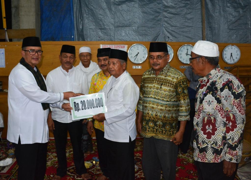 Wagub Nasrul Abit Kunjungi Masjid Al Kubra Pangian Lintau Buo