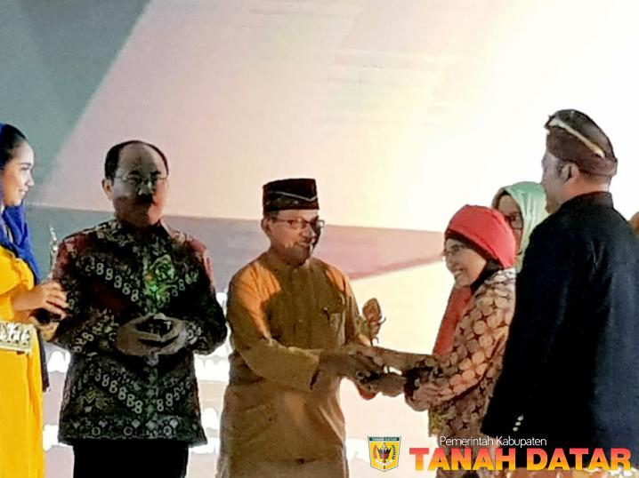 PACU JAWI JUARA II ATRAKSI BUDAYA TERPOPULER API 2018