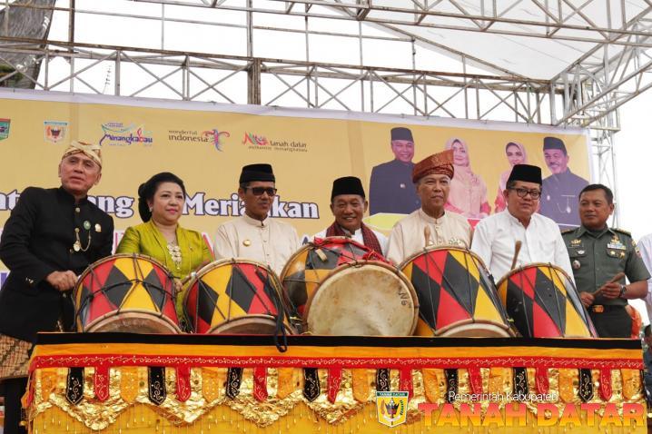 FESTIVAL PESONA BUDAYA MINANGKABAU RESMI DIMULAI