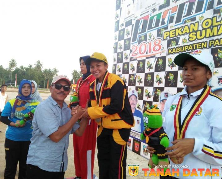 Emas Pamungkas Untuk Tanah Datar Disumbangkan Atlet Lari Juni Ramayani