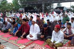 SISWA SDN 13 PASIE LAWEH DIBIASAKAN SHALAT SUBUH BERJAMAAH