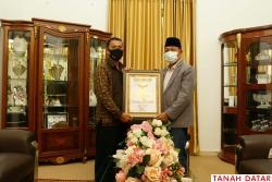 Tarmizi Sumando Sungayang, Terima Rekor MURI Motivator..