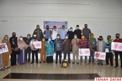 Arkadius Dt Intan Bano Reses, Salurkan Bantuan Pertanian