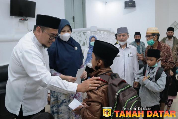 Lima Orang Hafiz Tanah Datar Lanjutkan Pendidikan ke Ponpes Tahfiz Ummi Syarifah Lampung