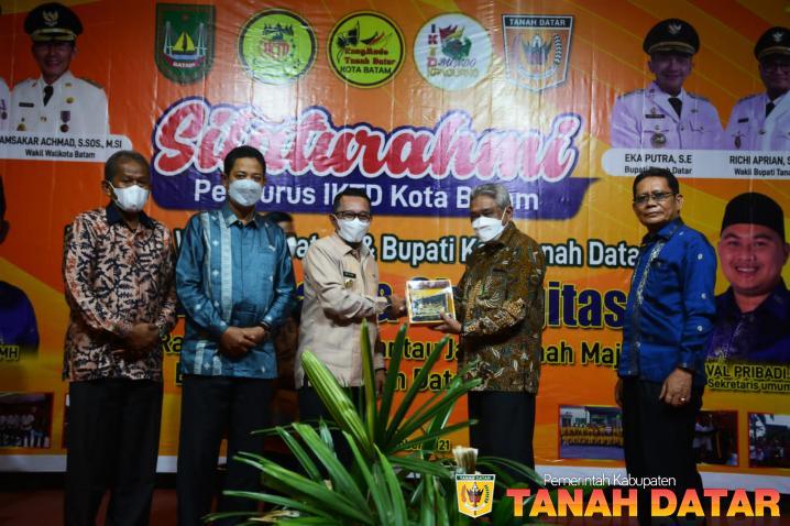 Silaturrahmi IKTD Kota Batam, Bupati Eka Putra Ajak Perantau Bersinergi Bangun Kampung